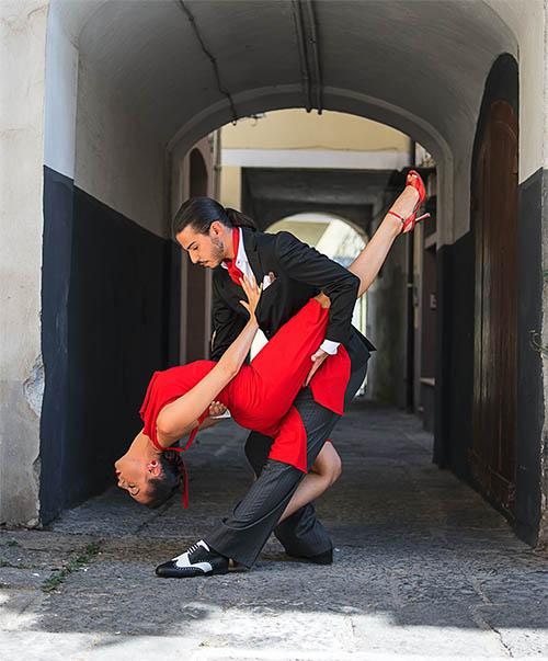 dance oclock tango